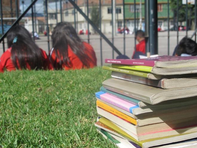Leyendo en el parque 3- © Nicolas -Pako- Cuellar